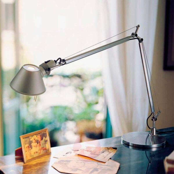 Lámpara sobremesa Tolomeo Tavolo más base mesa aluminio Artemide-386
