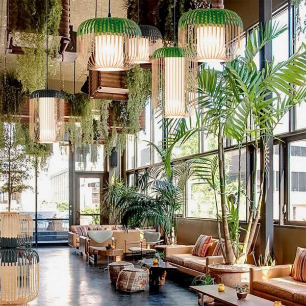 Lámpara colgante exterior Bamboo Light M natural y verde Forestier-640