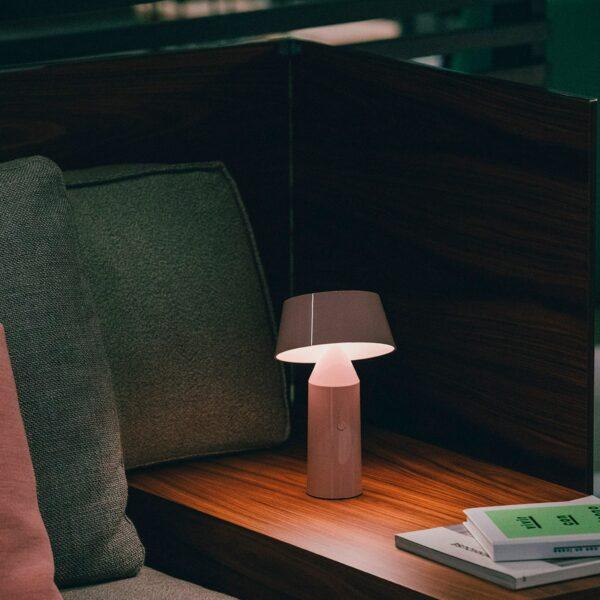 Lámpara de sobremesa Bicoca rosa palo Marset-1643