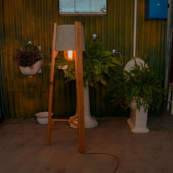 Lámpara de pie Esmorga gris A Vida-1511