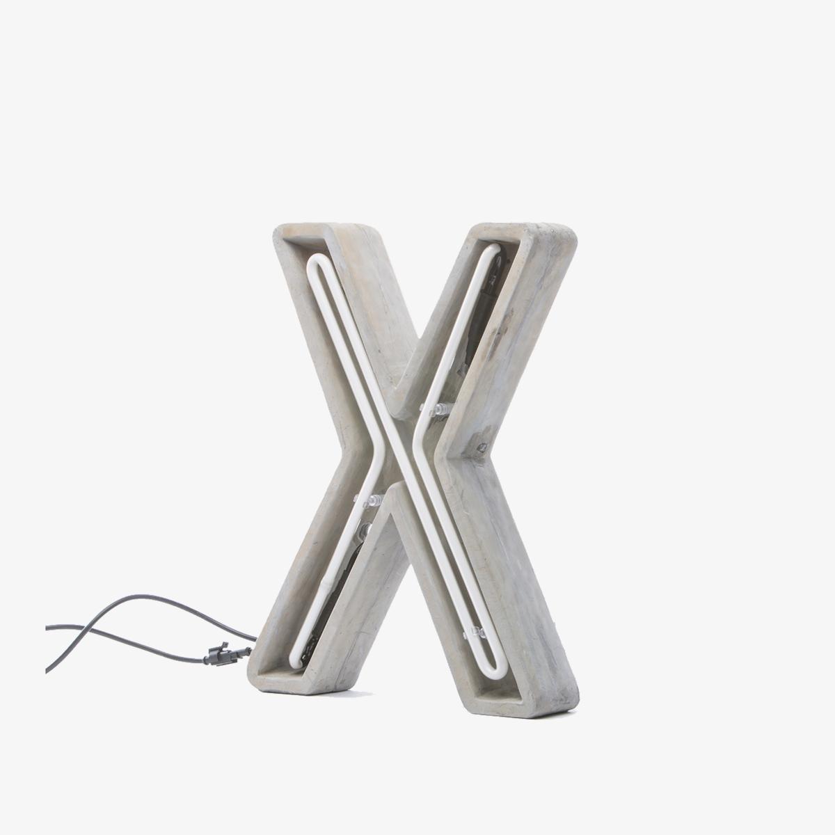 Rótulo neón exterior X mayúscula gris Seletti-0