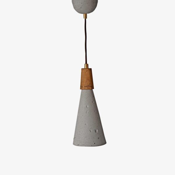 Lámpara colgante de cemento gris y madera