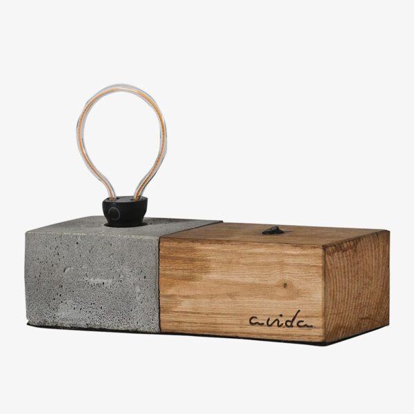 Lámpara sobremesa cemento y madera