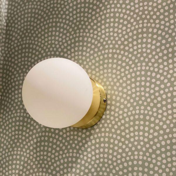 aplique-de-pared-edmond-blanco-y-dorado-opjet-foto-2