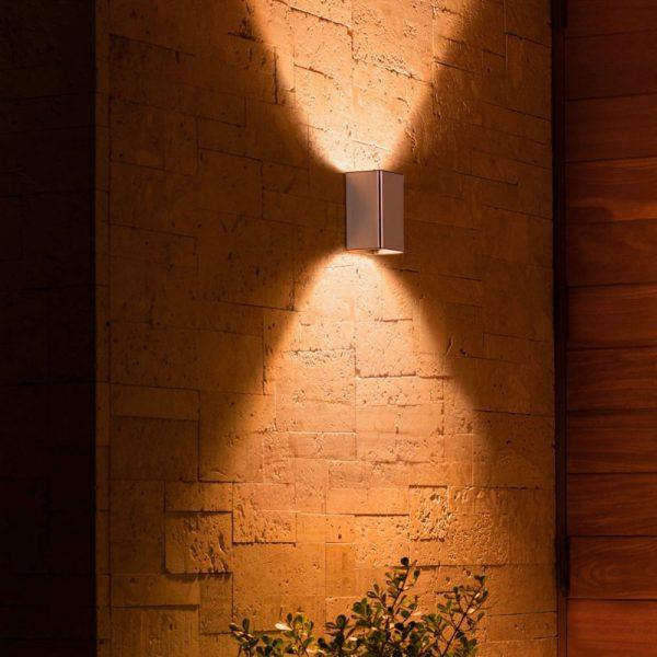 aplique-de-pared-exterior-resonate-plata-philips-hue-foto-3